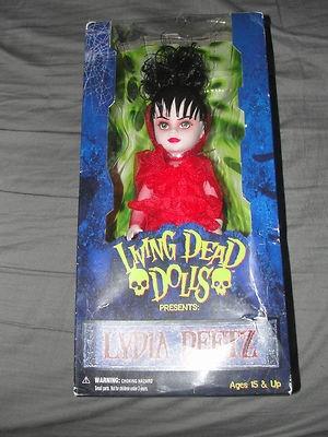 Living dead dolls lydia deetz red wedding dress for Lydia deetz wedding dress
