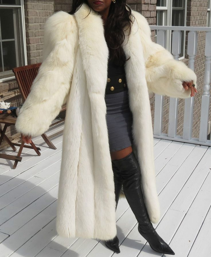 990 best Fur 11 images on Pinterest   Fur coats, Fur coat and ...