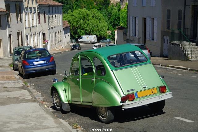 Citroën 2CV6 club  http://www.pinterest.com/adisavoiaditrev/