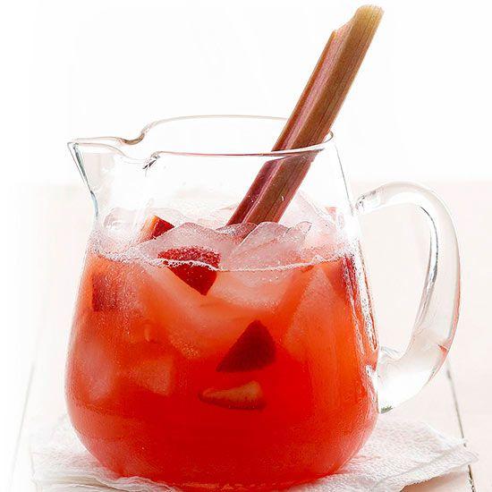 Tart rhubarb and fresh strawberries meet in this farmer's market-inspired lemonade: http://www.bhg.com/recipes/drinks/fruit/lemonade-recipes/?socsrc=bhgpin052614strawberryrhubarblemonadepage=10