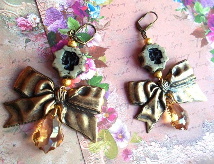 boucles d'oreille vintage noeud de bronze froissé cristal baroque camé en verre tchèque de bohème