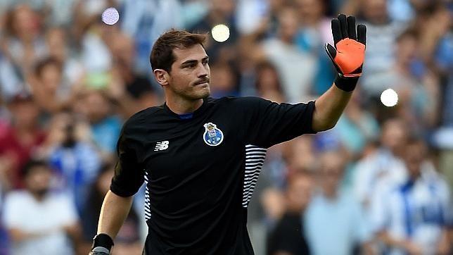 Íker Casillas felicita al renovado Sergio Ramos por Twitter