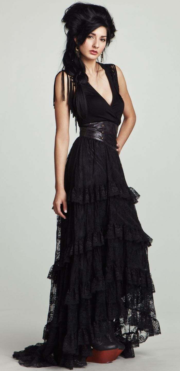 Black dress we heart it - Find This Pin And More On Rose Rp Outfits Beautiful Witch Like Black Lace Dress