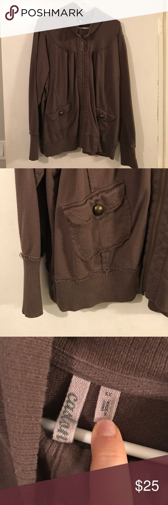 Caslon (Nordstrom) 3x olive green zip up Caslon brand from Nordstrom olive green zip up in size 3X with gold zip and metal buttons on the pockets Caslon Tops Sweatshirts & Hoodies
