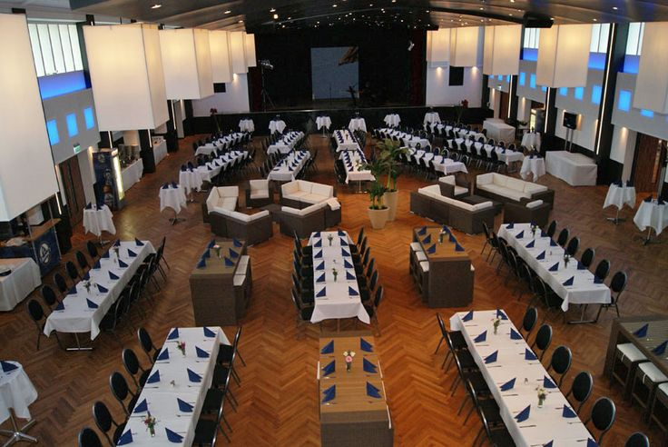 Großer Saal des Wienecke XI. Hotel Hannover   Hildesheimer Straße 380   30519 Hannover   Tel.: 0511 / 12 611 0   Fax: 0511 / 12 611 511   E-Mail: reservierung@wienecke.de   www.wienecke.de
