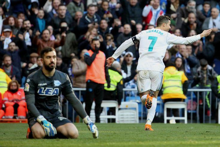 Liga Española   Cristiano Ronaldo marcó su gol 300 en la Liga española  Foto: WEB  Real Madrid aplastó a Deportivo Alavés por 4-0 de local en el marco de la 25ta. fecha de la liga de España. Los tantos los marcaron el portugués Cristiano Ronaldo (44m. PT y 16m. ST) el francés Karim Benzema (44m. ST) y el galés Gareth Bale (1m. ST) respectivamente.  Con esta victoria Real Madrid se afirmó en la zona de Liga de Campeones de Europa 2019 con 51 puntos a once del líder Barcelona que jugará más…