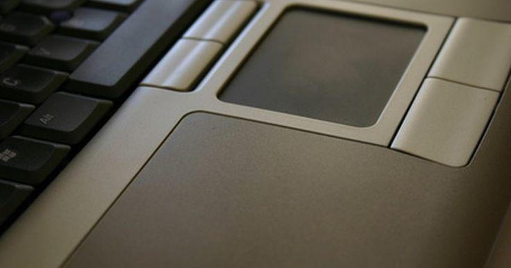 Cómo desactivar el panel táctil mientras está conectado el mouse USB. Controlar el puntero del mouse de tu portátil con el panel táctil puede ser una situación incómoda, pero conectar un mouse USB puede darte mayor control y te permitirá desactivar permanentemente el panel táctil. Asegúrate de que tu mouse USB esté conectado antes de desabilitar la opción del puntero por defecto.