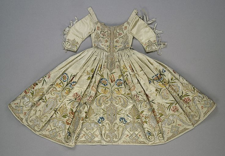 "Wow, do you think they'd let Phebe romp around in this?  ""Child's Dress Embroidered with a Plant Motif , Late 17th - Early 18th century ... Germany or Italy..."""