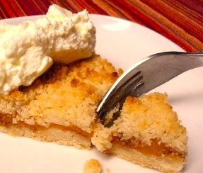 German Apricot Tart with Streusel http://www.quick-german-recipes.com/apricot-tart-recipe.html