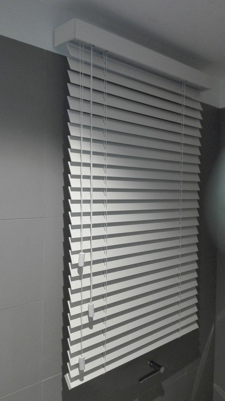 Veneciana de madera blanca cortina perfecta www - Cortinas venecianas madera ...