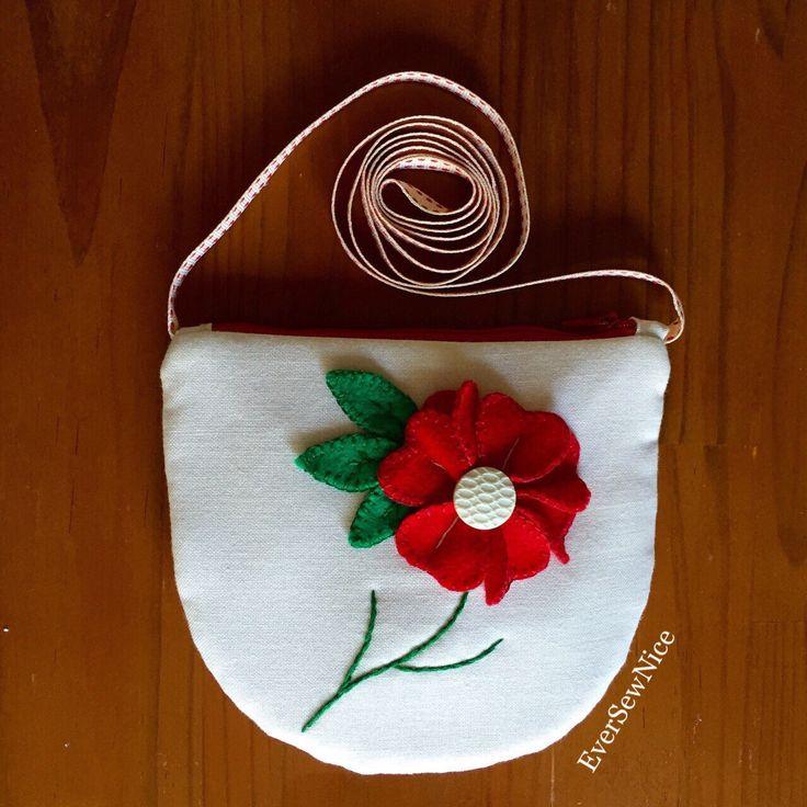 Handmade Purse - purse with Shoulder Strap - Red Felt Flower - felt -felt flower - fabric purse by EverSewNice on Etsy https://www.etsy.com/listing/224396409/handmade-purse-purse-with-shoulder-strap