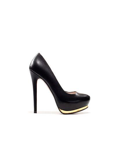Klasyczne, czarne platformy - Zara