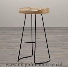 Kursi Bar Rangka Besi Murah - ini cocok untuk anda yang mempunyai usaha bar, cafe atau bistro untuk melengkapi kebutuhan usaha anda. Berbahan baku kayu