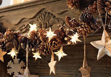 Pinecone and star garland