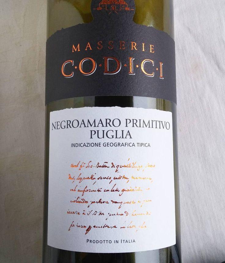 Joskus jopa italialaista punkkua. #viini#wines#winelover#winegeek#instawine#winetime#wein#vin#winepic#wine#wineporn herkkusuu #lasissa #Herkkusuunlautasella