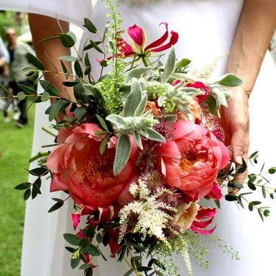 Ramo de novia con peonías Coral