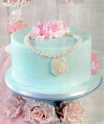blue vintage cake - by Sofia Costa (Cakes & Cookies by Sofia Costa) @ CakesDecor.com - cake decorating website