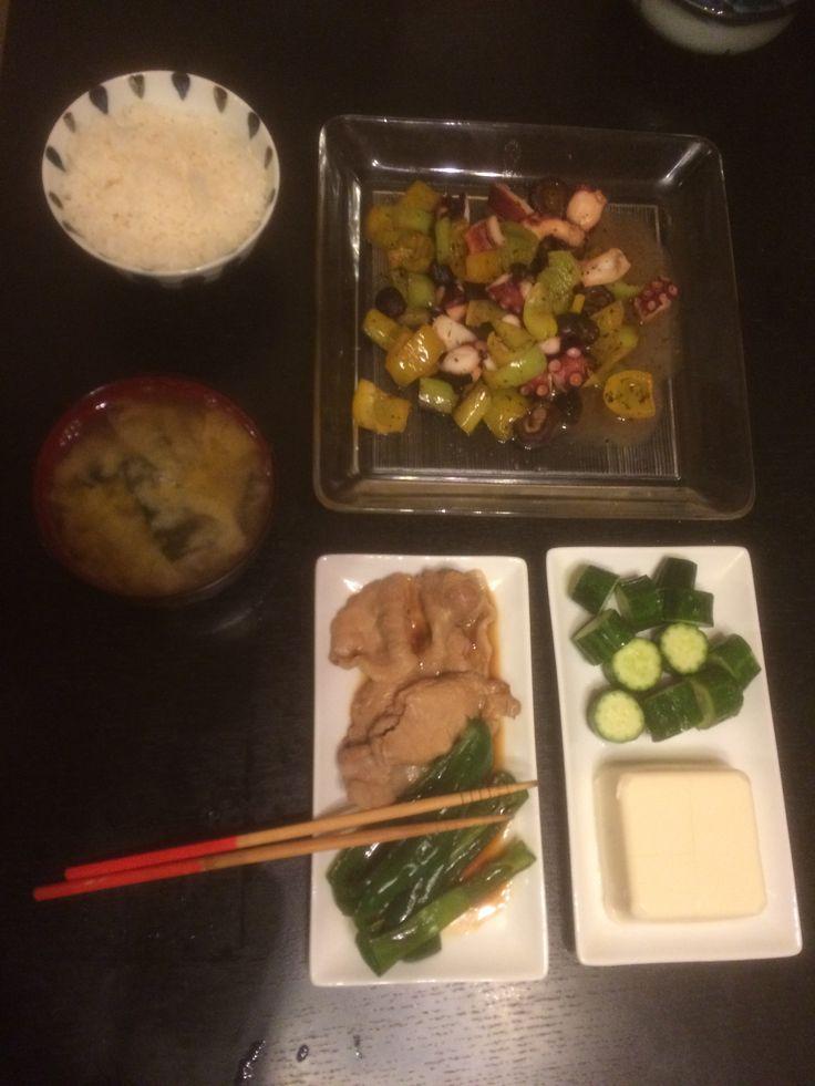 20151117 20:40   たこ 唐辛子 しいたけ オリーブオイル 白ワイン  豚 ピーマン   豆腐 きゅうり 白菜味噌汁
