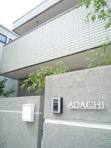 オープンエクステリア施工事例 / モダン エクステリア デザイン、へーベルハウス 外まわり 施工例、シンプル