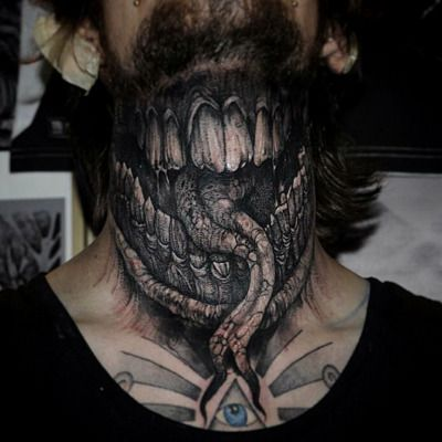 this tattoo is so scary tattoo done by robert tattoo. Black Bedroom Furniture Sets. Home Design Ideas