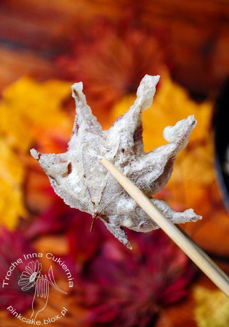 smażone liście klonu, fried maple leaves, jadalne liście