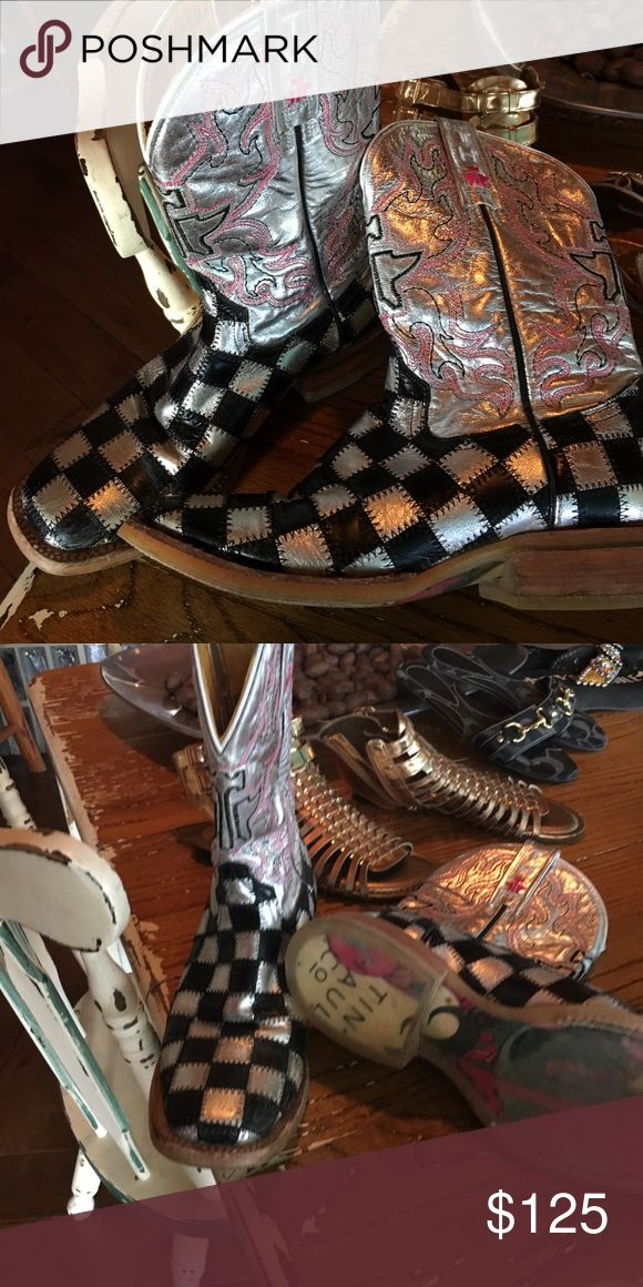 Tim Haul boots Cowgirl boots! So comfortable! Tin Haul Co Shoes