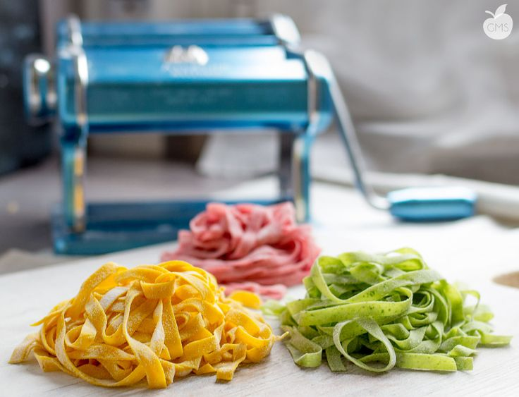 Pasta fresca: gialla (curcuma), rossa (barbabietola), verde (rucola)