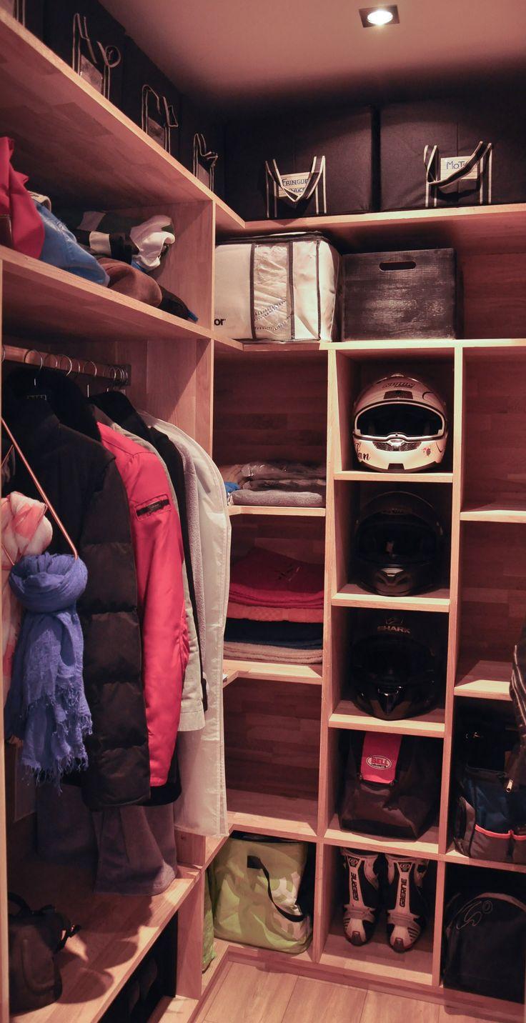 Penderie sur mesure, rangements pour les casques moto / DIY Storage room, custom shelves for the helmets