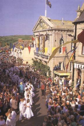 May 8 - it's Helston Floral Dance Day, in Cornwall, UK :D