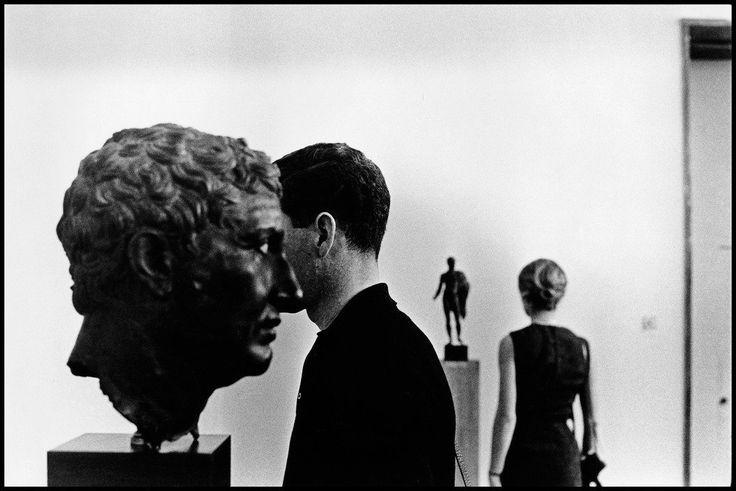 Elliott Erwitt. Acropolis Museum in Athens.