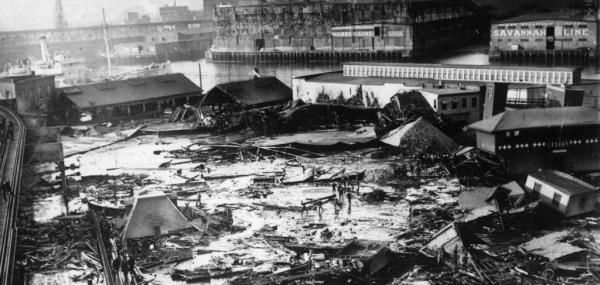 By United Press International On Jan. 15, 1919, 21 people were killed and scores injured when a vat holding 2.3 million gallons of molasses…