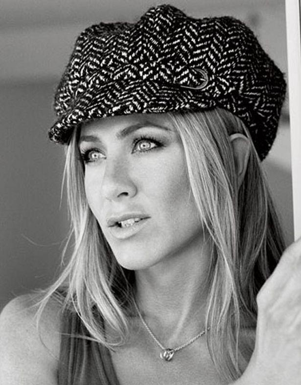 Jennifer Aniston und ihre grandiose Verwandlung zu Barbra ...