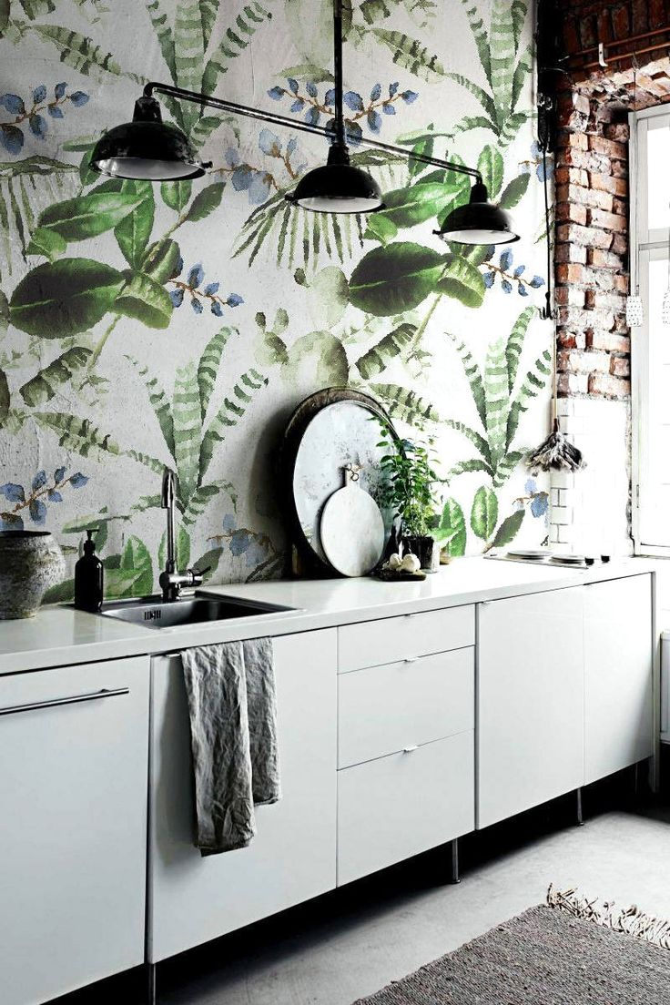 Any room could benefit from cactus wallpaper.