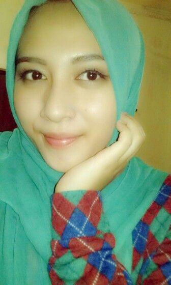 tosca paris hijab