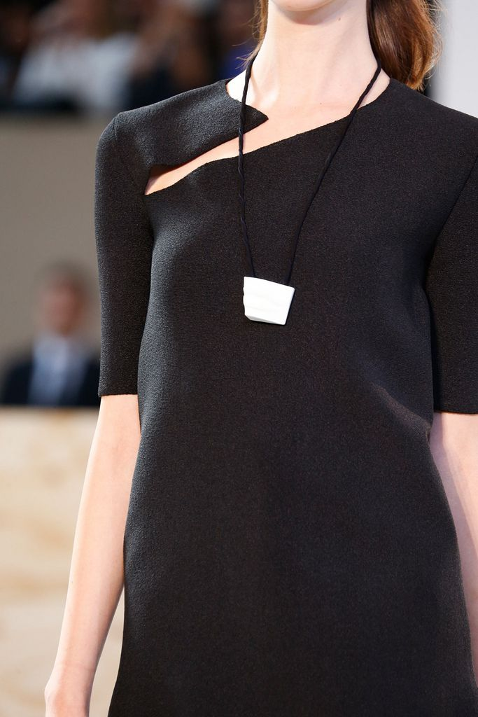 Céline Spring 2015 Ready-to-Wear - Details - Gallery - Style.com.. LUV d simplicity of it
