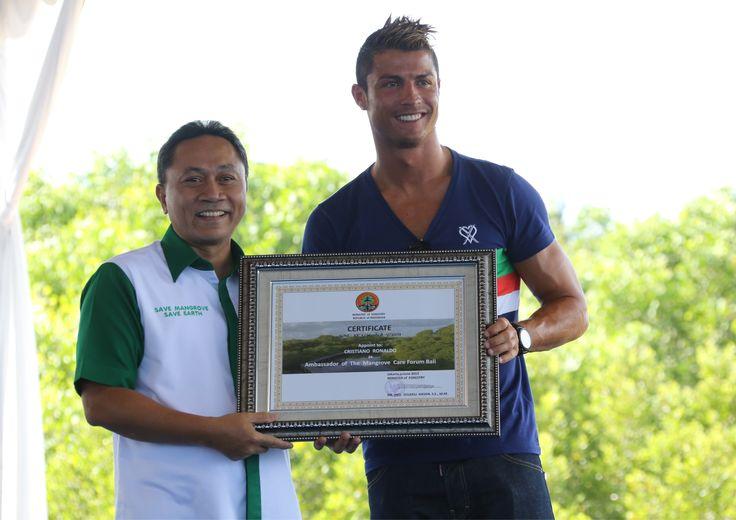 Cris Scores As Ambassador Of Mangrove Care Forum In Bali Indonesia Cristiano Ronaldo Ambassador Mangrove