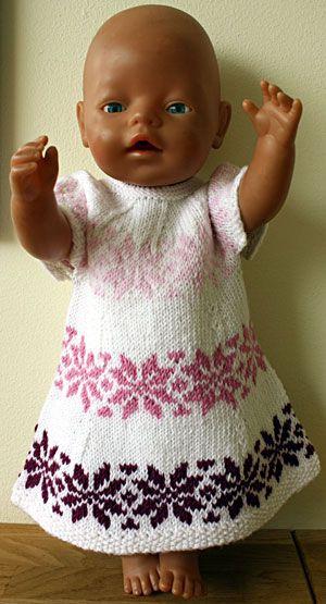 Foto af hvid stjernekjole til BabyBorn