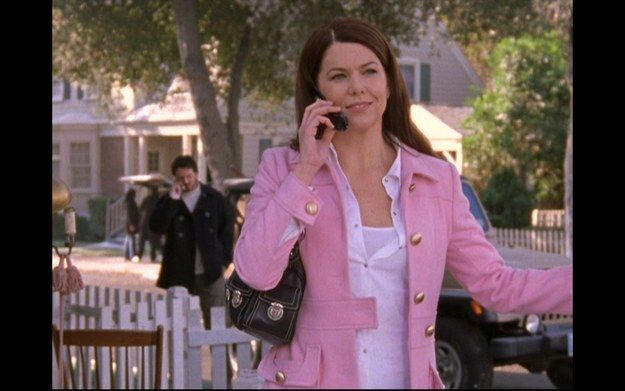 "When Lorelai rocked the cutest pink coat ever. | Community Post: 30 Times ""Gilmore Girls"" Was The Most Fashionable Show Ever"