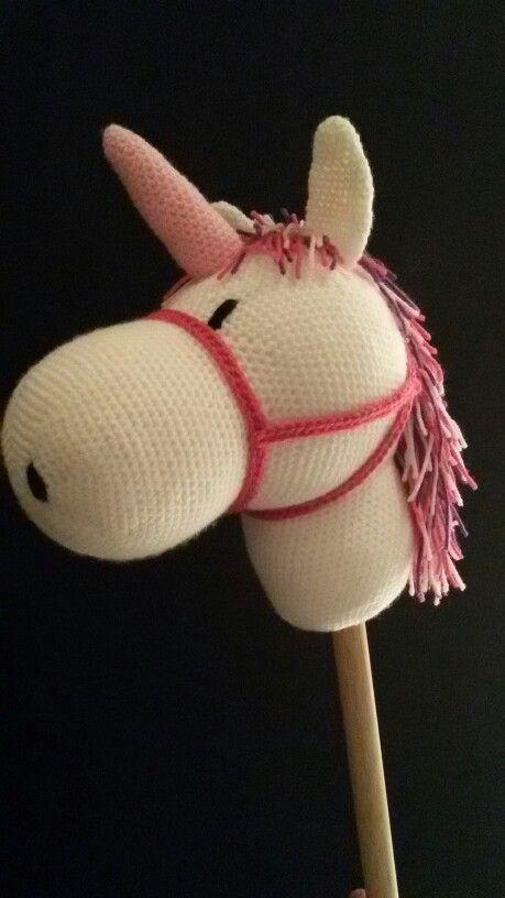 Haken - stokpaard / eenhoorn originele patroon wat aangepast http://galnaigarn.blogspot.nl/2012/11/kapp-drakar-monster.html?m=1