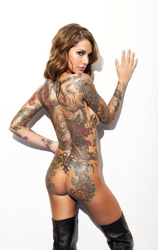 Naked womens with tattoo — photo 14