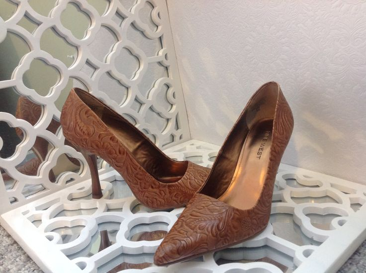 Nine West embossed leather pumps