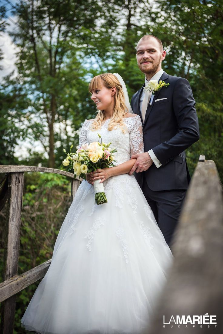 Our bride in Octavia dress and LA-114 jacket by Pronovias
