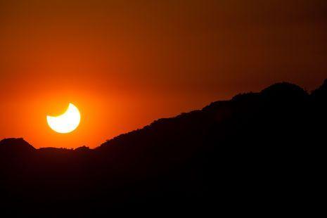 Partial solar eclipse; Arizona May 2012: Phoenix Mountain, Partial Solar, Sun Sets, Scenic Photography, Mountain Preserves, Arizona, Amazing Photos Art, Solar Eclipse, Camelback Mountain