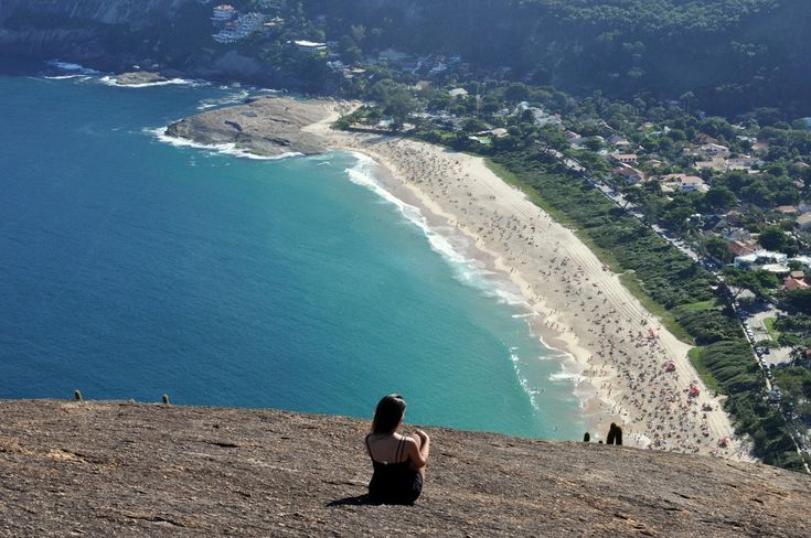 Mala de Aventuras explora: Praia de Itacoatiara - Trilha do Costão