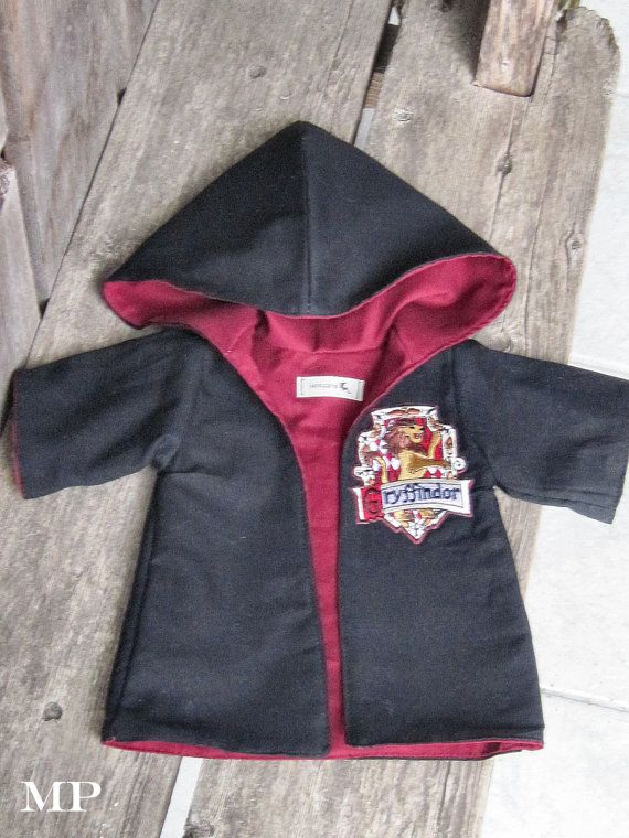 waldorf HARRY POTTER Gryffindor cape / robe and patch for 10 12 15 inch doll