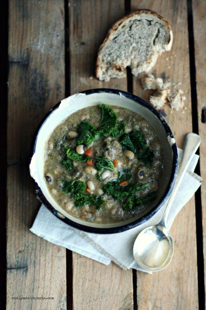 Zuppa di cavolo riccio e fagioli