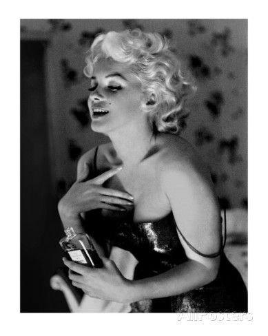 Marilyn Monroe, Chanel No.5 Posters por Ed Feingersh na AllPosters.com.br