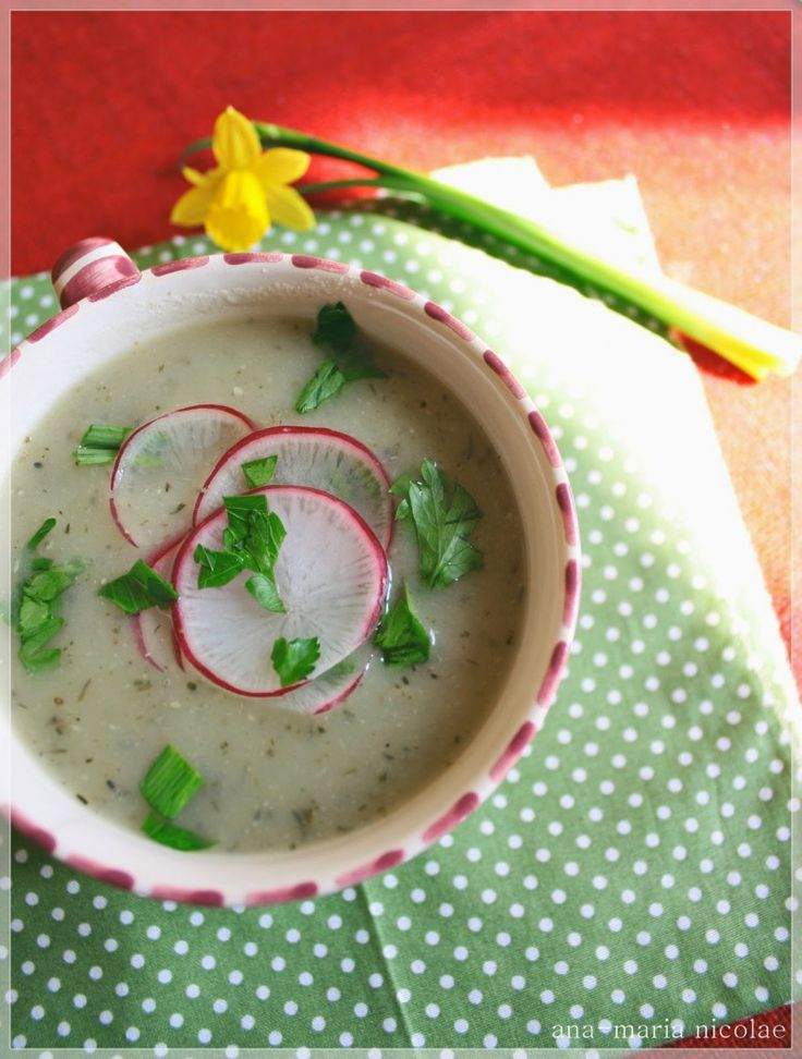 Supa-crema de usturoi cu cimbru - Ama Nicolae