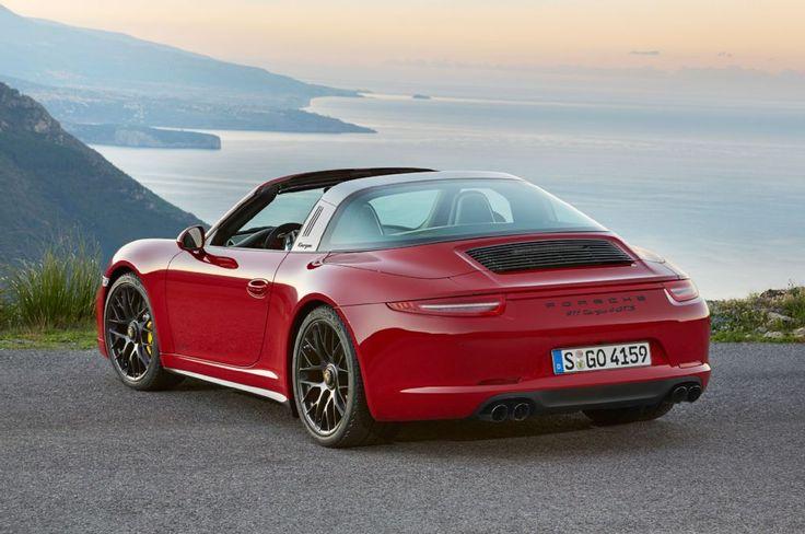 2016 Porsche 911 Targa GTS rear three quarter