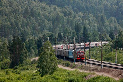 Tappa per tappa sulla Transiberiana, la rete ferroviaria entrata nel Guinness dei Primati per tre meriti: dimensioni, numero di stazioni e tempi di costruzione